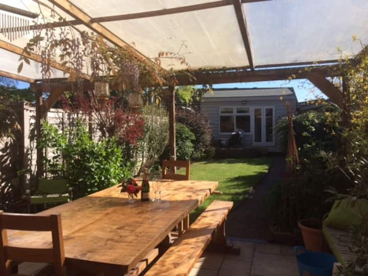 Double room close to town  * Breakfast included