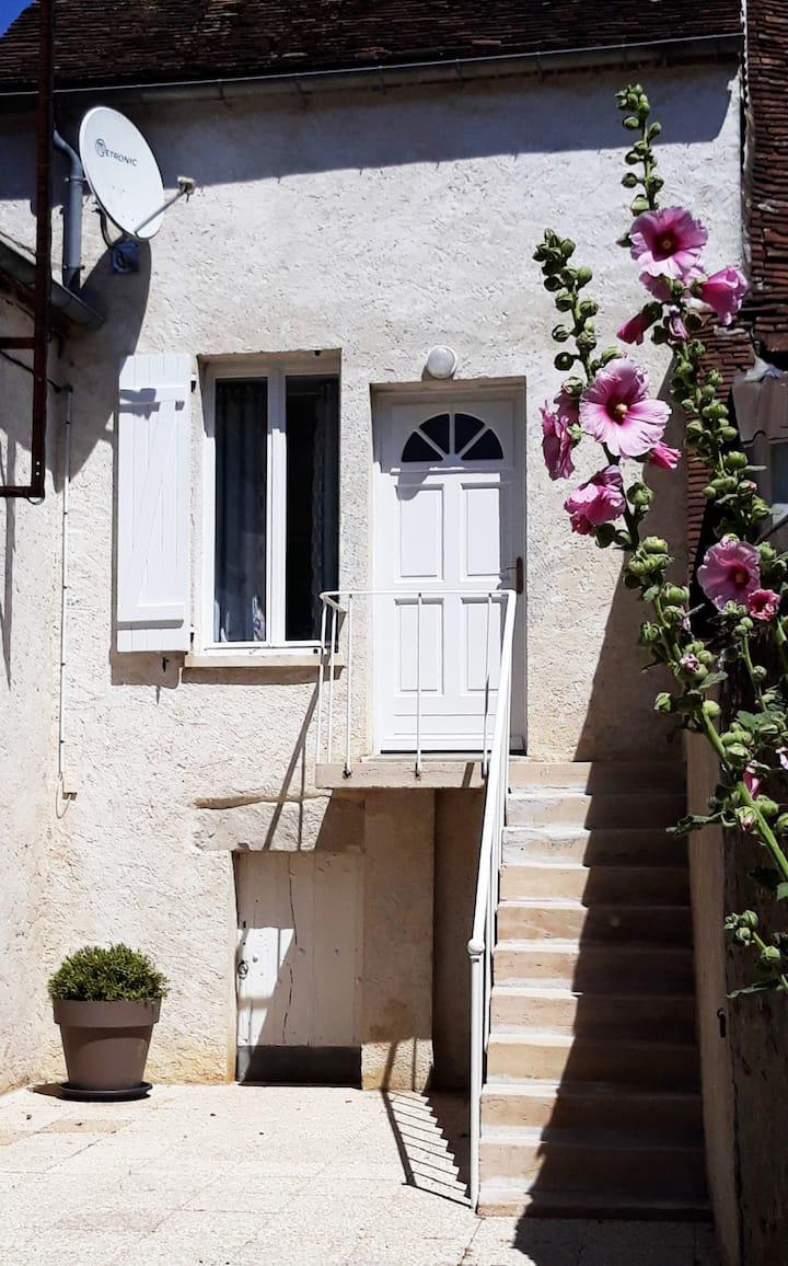 Maison au pays d'Aristide Bruant,calme.4 couchages