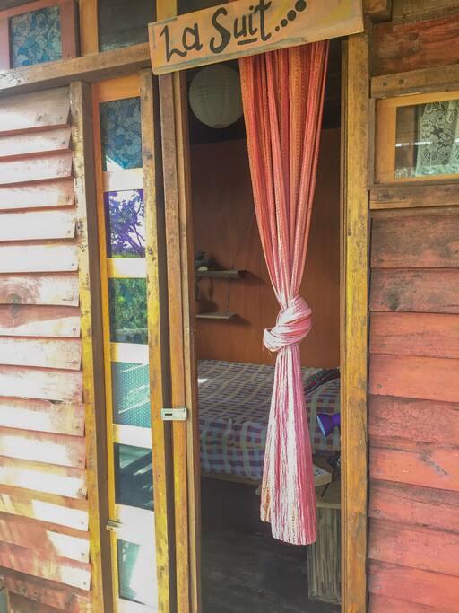 El cuarto - the bedroom - o quarto