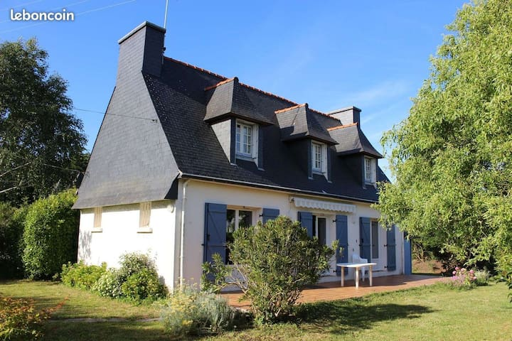 Maison traditionnelle à Mousterlin