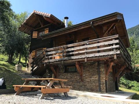 Cosy Chalet, resting, close ski station