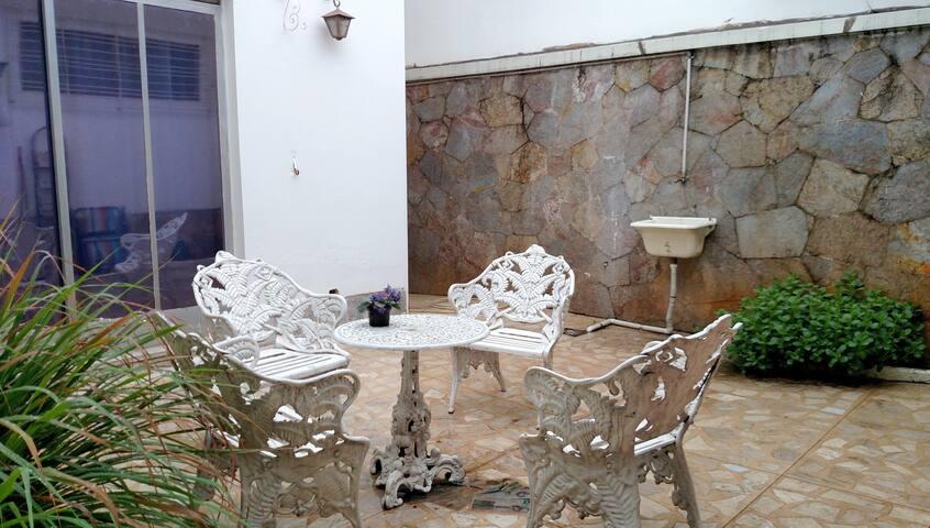 Conforto, segurança, Wi-Fi e café - Belo Horizonte - Casa