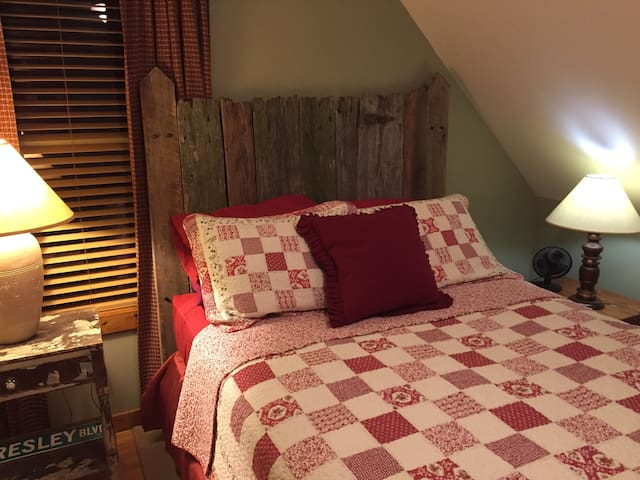 Third bedroom is also a queen size in loft area. Full bath with shower is adjoining.