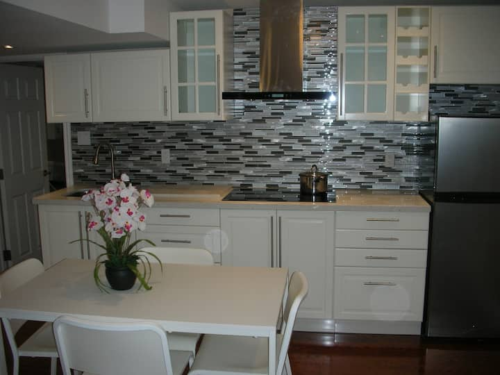 2 bedroom basement apartment in a nice area