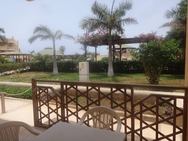 Tropical 2 bed apartment  - Tropical Apartment F 0/2