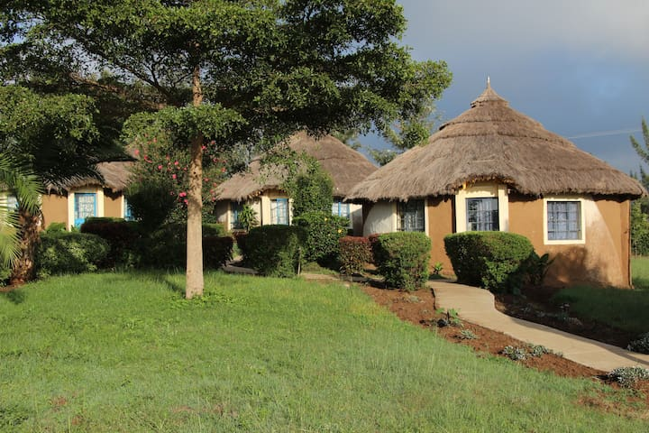 MIA Safari Lodge, African bungalows - Nakuru - Bungalo