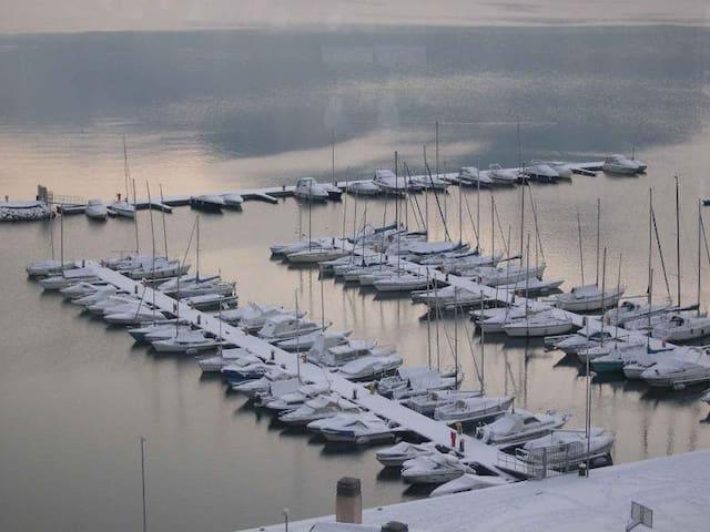 Nevicata sul porto turistico