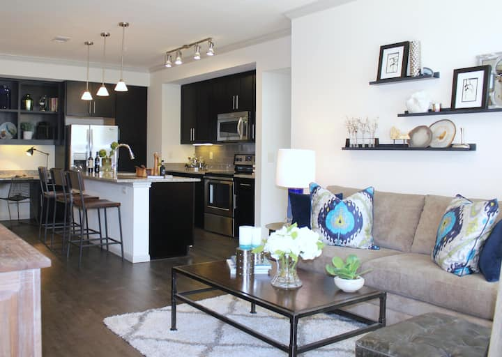 Comfort Abounds | 1BR in Katy