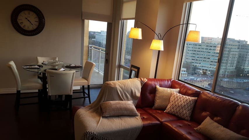 LUX 2BRPenthouse Reston Town Center - Reston
