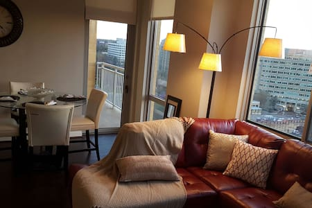 LUX 2BRPenthouse Reston Town Center - 莱斯顿(Reston) - 公寓