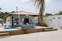 Moderna Cabaña con Piscina Privada (10 Pers.)