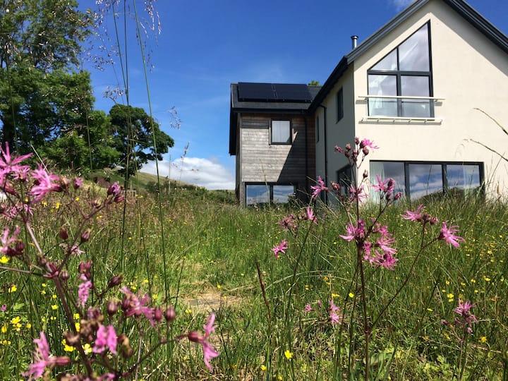 Sula, bright three-bedroom house near Glencoe
