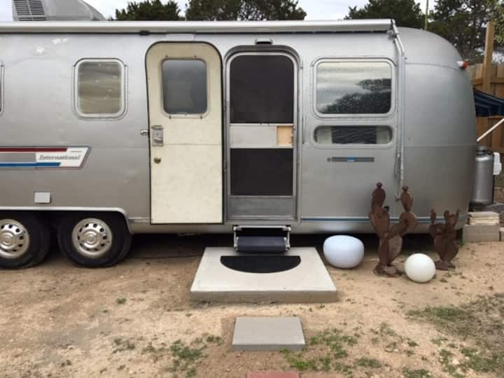 Glamping in a 1978 Airstream Land Yacht!
