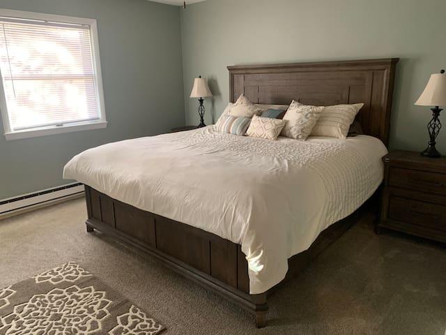 Comfy Master King - Bedroom #3
