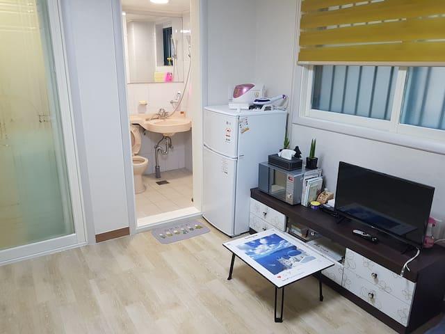 [출장]청주 흥덕구 봉명동 인기좋은 최근 리모델링된 깨끗한  풀옵션 주차하기 편한 원룸