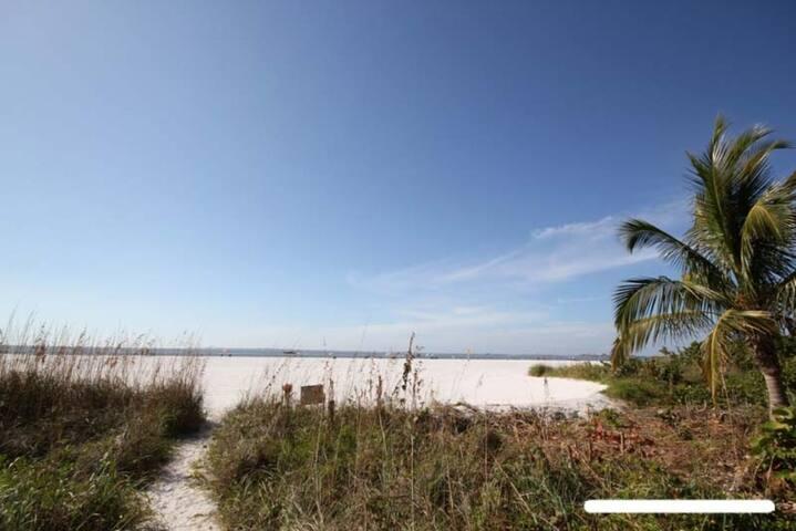 Vacation Villas #432 - Beach Front - Fort Myers Beach - Ortak mülk