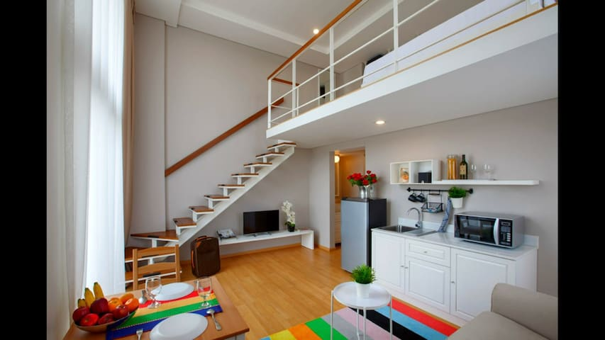 Loft Room-Modern-Unique-Scandinavia Style In der Nähe von LFJ