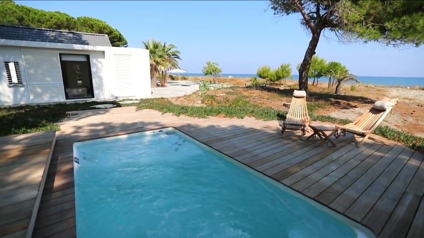 Villa luxe de bord de mer avec piscine spa chauffée et de nombreux services - Taglio-Isolaccio - Villa
