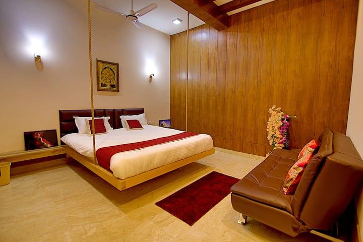 Hideout Agra  Homestay-Eat, Sleep, Wander near Taj