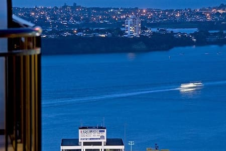 1 Bdrm in luxury sub-penthouse Apt, own bathroom - Auckland - Apartment