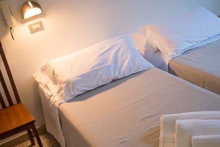 Stanza matrimoniale Rimini Mare con posto auto - Rivazzurra - Bed & Breakfast