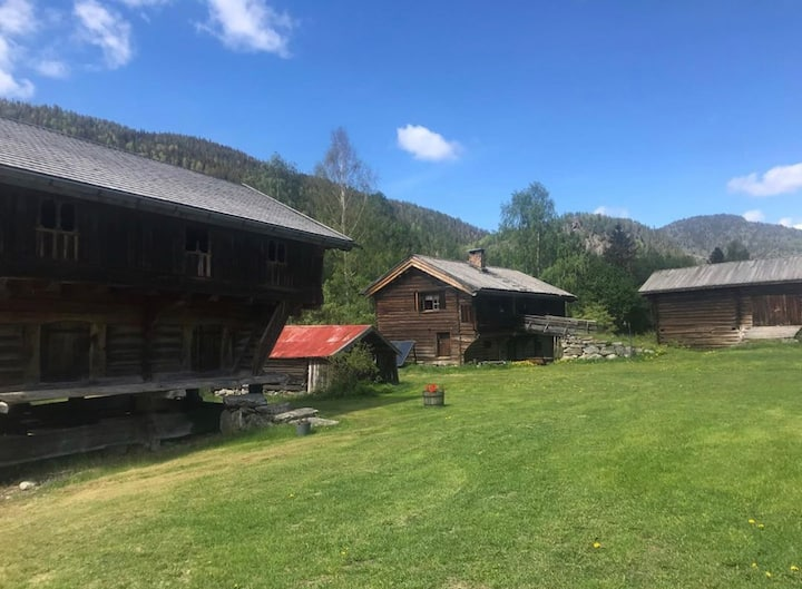 Avslappende opphold på 1600-talls gård i Numedal