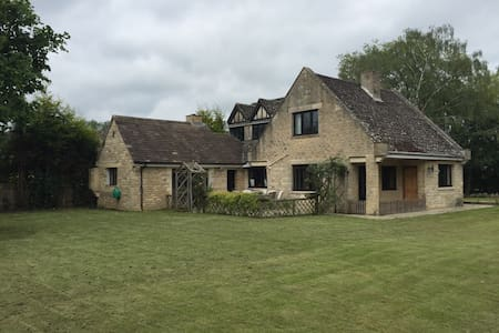 Oxfordshire Country House - Weston-on-the-Green - Huis