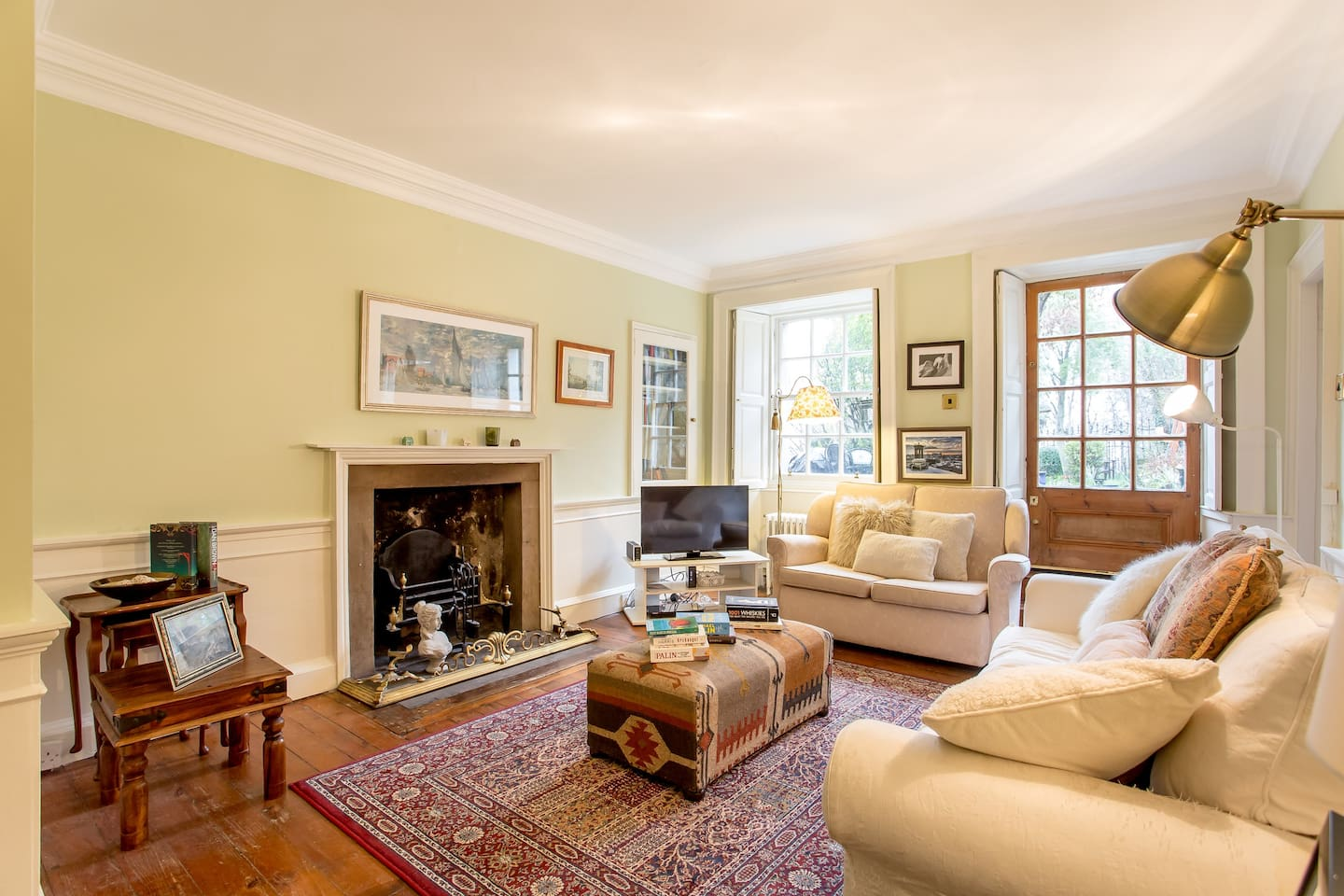 Lovely warm & cosy living room