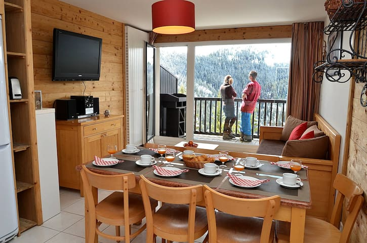 PLEI35 - very comfortable apartment with very nice view