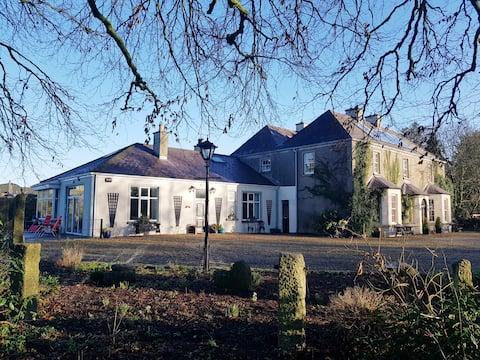 Весь коттедж - Grove Cottage @ The Lodge