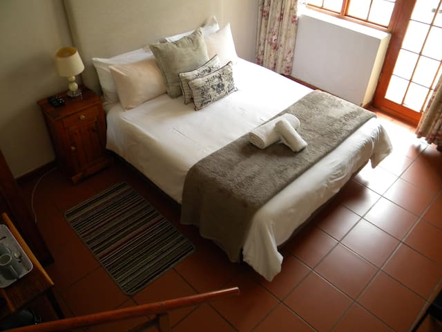 Saints Bed & Breakfast Room 2