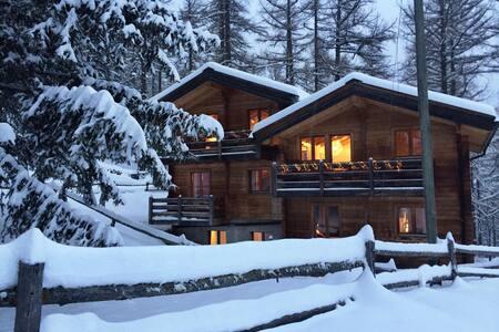 3 bedroom Chalet Eichhorn, Saas Fee 1800m - Rumah