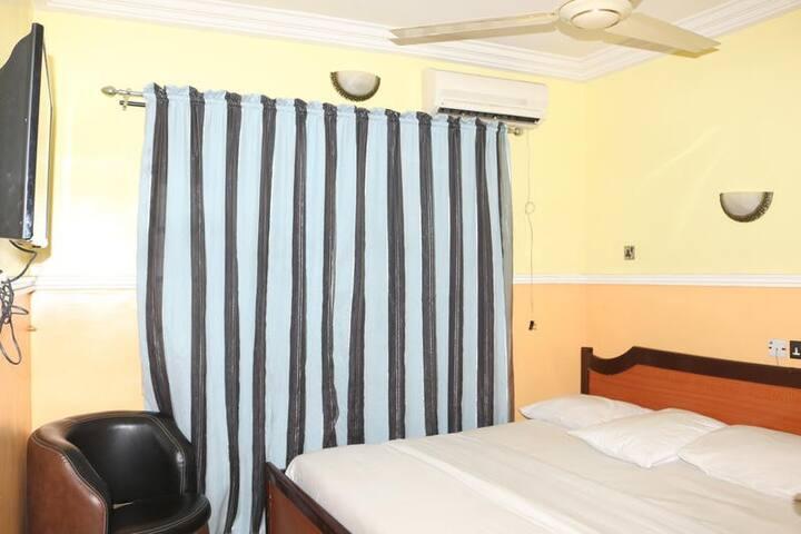 Lifeline Hotel - Classic Room