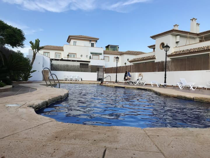 Apartamento de 2 habitaciones en Turre, con piscina compartida, terraza amueblada y WiFi - a 8 km de la playa