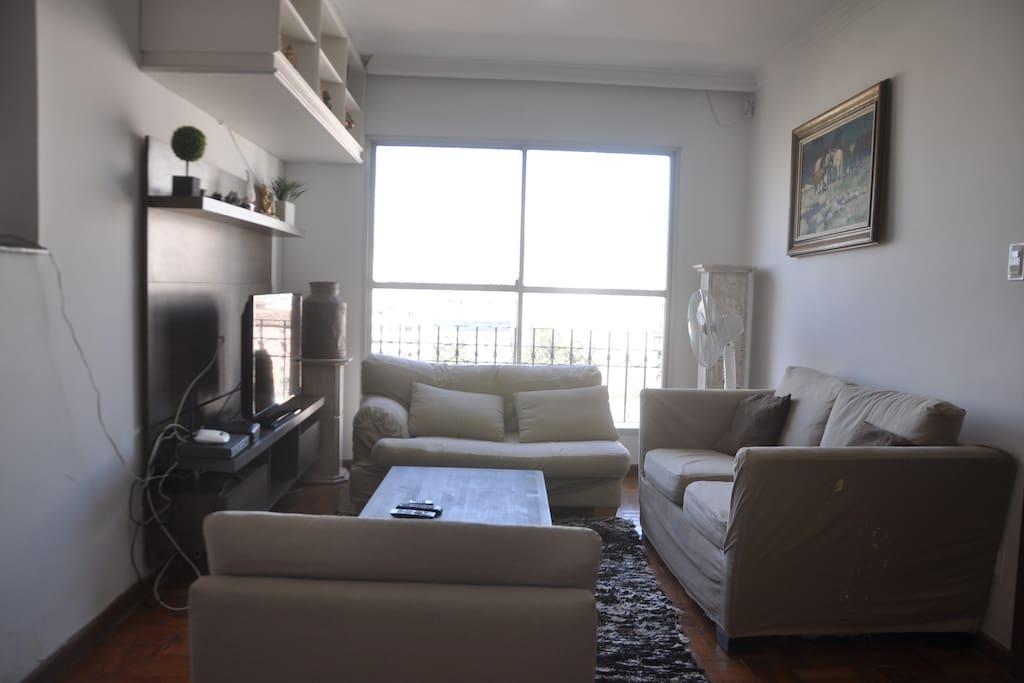 Sala de estar, TV com NET, Wi-FI