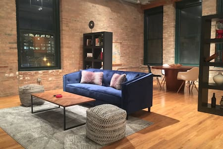 Historic Artist Loft in Fulton Market/ West Loop