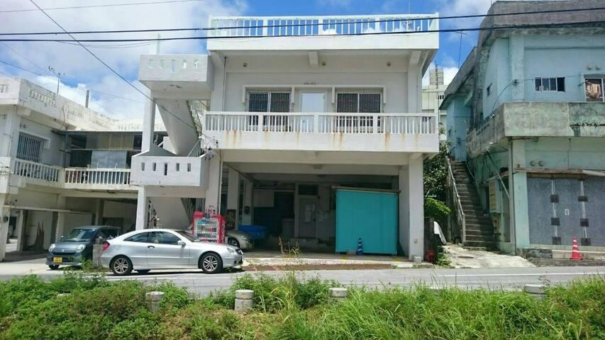Koza Share House (Women Only) 2F - Okinawa-shi - Casa