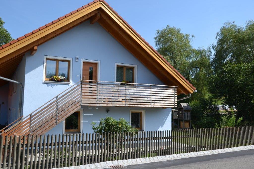 moderne wohnung am starnberger see wohnungen zur miete in m nsing bayern deutschland. Black Bedroom Furniture Sets. Home Design Ideas