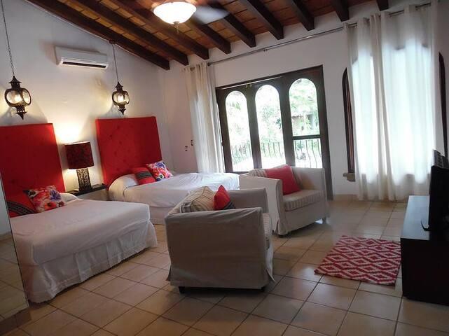 Vacaciones! Casa Nuevo Vallarta. 12 personas.