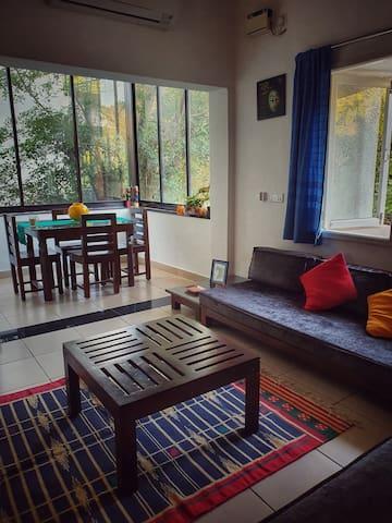 Hill View apartment in Nerul, near Coco beach