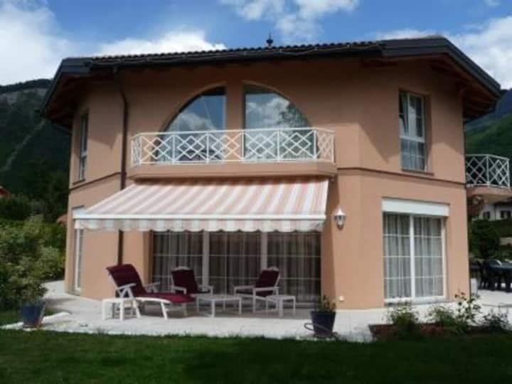 Double room in modern villa