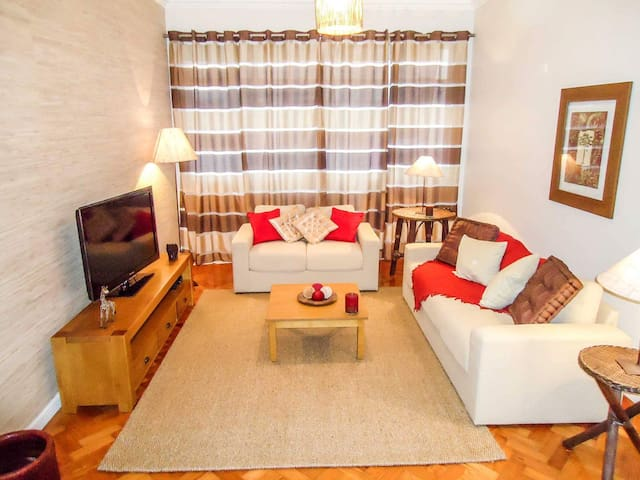 Copacabana BEACHFRONT3 bedroom