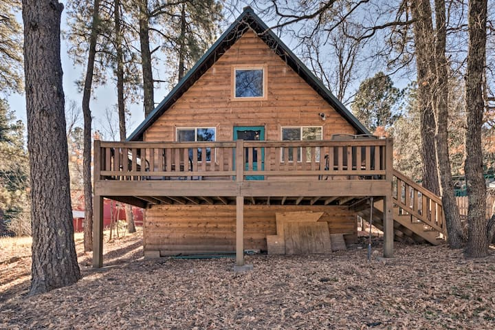 NEW! Sherwood Cabin: Pet-friendly Cloudcroft Home!