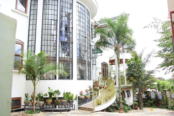 Poza Palace Premium - Temdo, Njiro Arusha