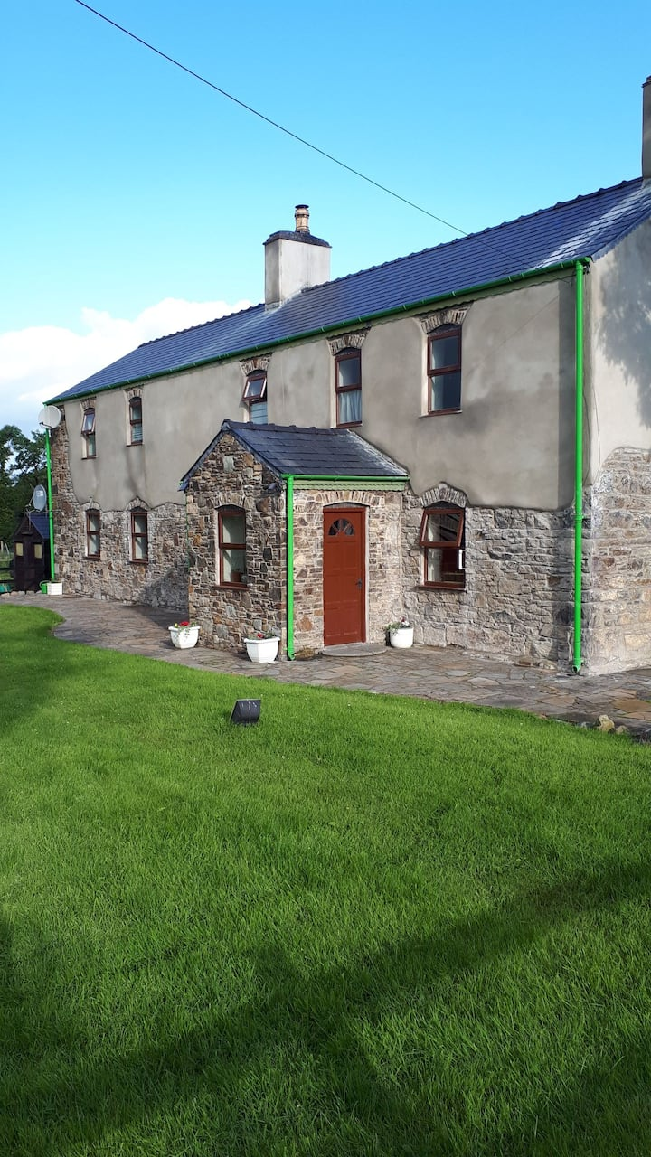 Stone House Cottage. 8 km from Millstreet Arena.