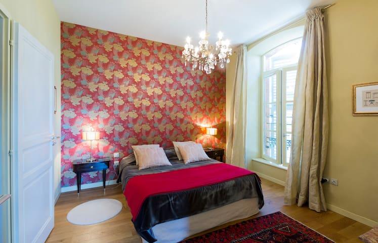 Romantic meets contemporary - La Jacques Brel