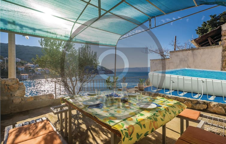 Semi-Detached with 3 bedrooms on 45 m²