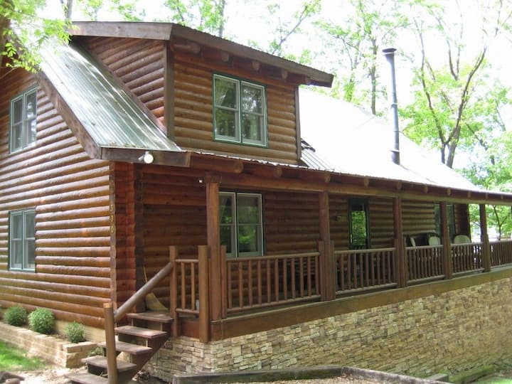 Log Haven Lodge (3000 sq. ft. log home)