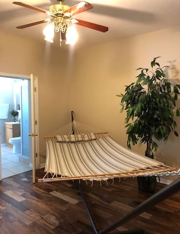Cozy Hammock Bed w Pool by Outlet & Wiregrass Mall