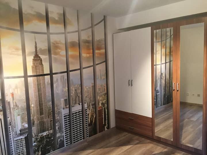 Eigene Etage mit eigenem Bad/WC.Ideal für Pendler
